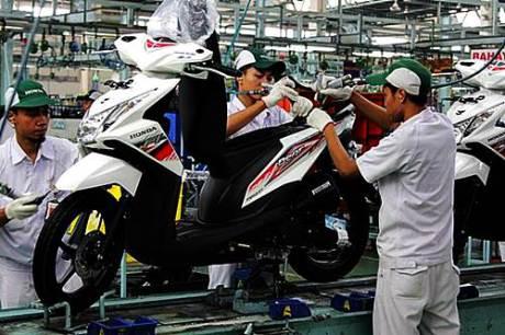Honda BeAT FI Dengan Warna dan Striping Baru | Leave a comment